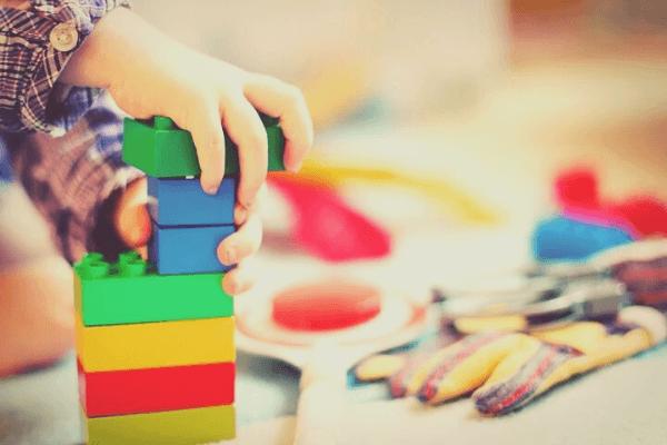 ayudando-a-tu-hijo-a-hablar-a-través-del-juego-blog